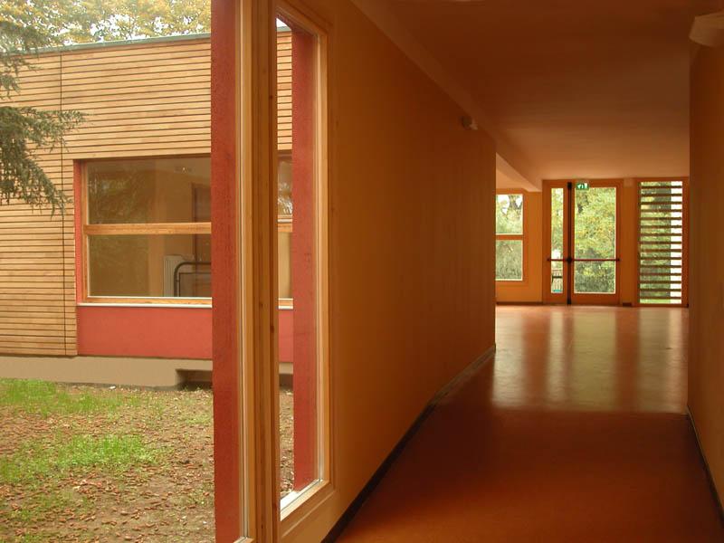 scuola legno interno